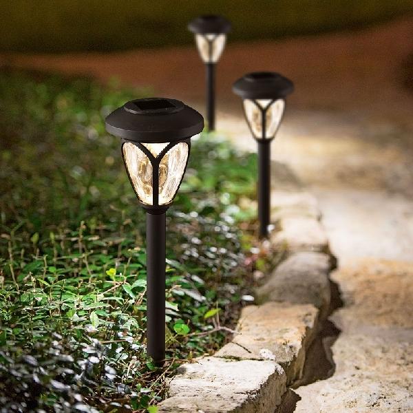 Falra szerelhető szolár lámpa - műanyag, fekete - 12 x 8 x 5 cm 11372